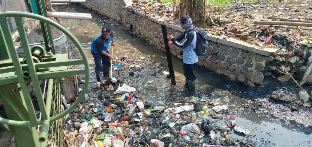 Buang Sampah Sembarangan Bisa Kena Denda Rp 50 Juta