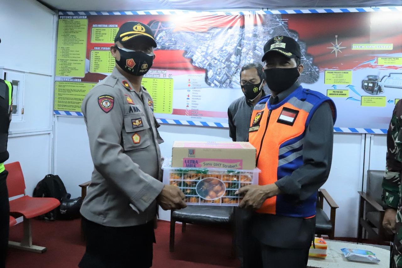 Kunjungi Pos-Pos Pengamanan Malam Pergantian Tahun, Plt. Wali Kota, Suasana Aman Dan Kondusif