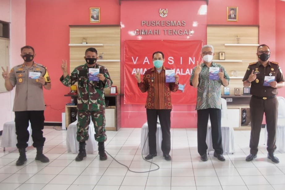 Kota Cimahi Memulai Penyuntikan Vaksin Covid-19, Plt. Wali Kota, Masyarakat Tidak Perlu Takut Dan Ragu!
