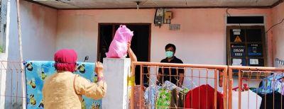 Bahu-membahu Warga Cimahi Bantu Warga ODP Virus Cirona