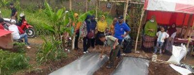 Penyuluhan Budidaya Cabe dan Pembinaan Hasil Olahan Untuk Tingkatkan Ekonomi Masyarakat
