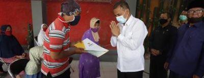 Baznas Kota Cimahi Salurkan Bantuan Untuk Warga Terdampak Ekonomi Akibat Pandemi Covid-19