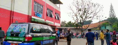 Pemkot Cimahi Fasilitasi 400 Pedagang Pasar Antri Ikuti Tes Covid-19