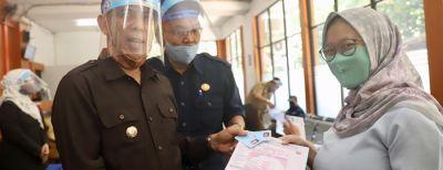 Launching Penggunaan Kertas HVS untuk KK dan Akta CAPIL