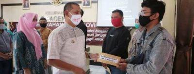 Wali Kota Cimahi Apresiasi Kebersamaan Masyarakat Cipageran Lewat Program Sarebu Satu Jiwa