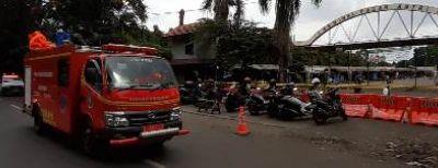 Penyemprotan Kawasan Sriwijaya Upaya Cegah Penyebaran Covid-19 Pascatemuan Kasus Positif di Pasar Antri