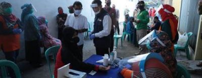Wali Kota Cimahi Pantau Rapid Test di Pasar Recok Melong